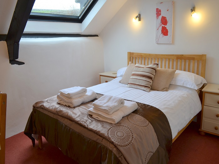 Swallow Cottage Double Bedroom at Robin Hill Farm Cottages