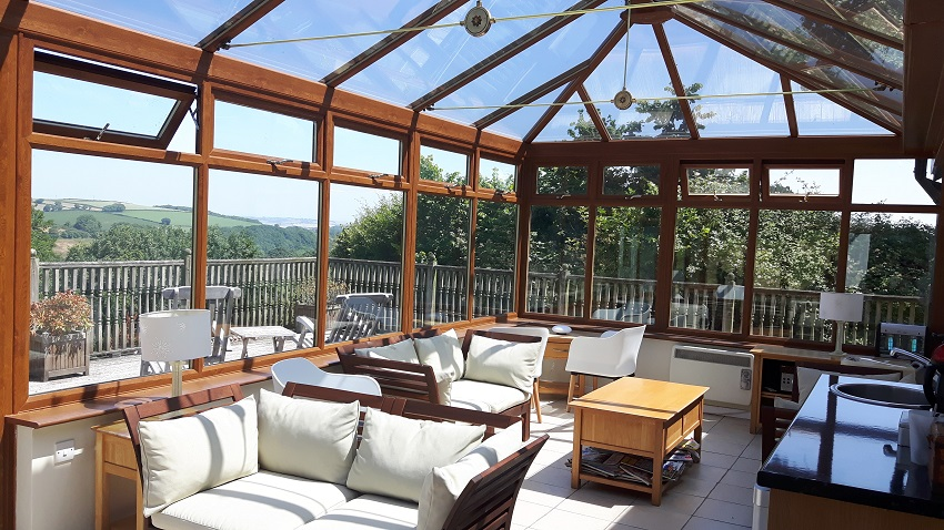 Guest Conservatory at Robin Hill Farm Cottages
