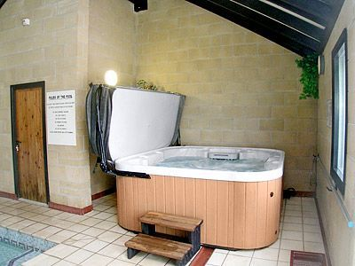 Hot Tub at Robin Hill Farm Cottages