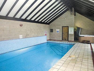 Robin Hill Farm Cottages Swimming Pool 'In Depth'!